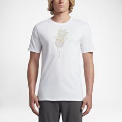 Мужская футболка Hurley PineappleМужская футболка Hurley Pineapple из мягкой ткани с приятным на ощупь необычным принтом, нанесенным в технике трафаретной печати, обеспечивает комфорт и притягивает взгляды.<br>