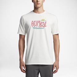 Мужская футболка Hurley Sunny DayzМужская футболка Hurley Sunny Dayz из мягкой ткани с ретропринтом в технике трафаретной печати обеспечивает комфорт на пляже и улицах города.<br>