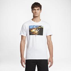 Мужская футболка Hurley Clark Little King KamehamehaМужская футболка Hurley Clark Little King Kamehameha с ярким изображением от известного фотографа волн Кларка Литтла — это волны, которые всегда с тобой.<br>