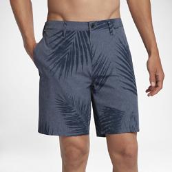 Мужские шорты Hurley Phantom Steady 47 смБлагодаря эластичной быстросохнущей ткани в мужских шортах Hurley Phantom Steady длиной 47 см можно плавать и заниматься серфингом, а затем отправляться на прогулку, не переодеваясь.<br>