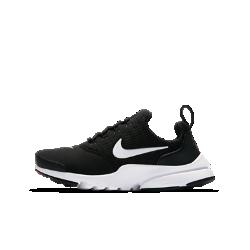 Кроссовки для школьников Nike Presto Fly SEКроссовки для школьников Nike Presto Fly SE возрождают классическую модель начала 2000-х с плотно прилегающим верхом из дышащей сетки для комфорта на весь день. Нижняя частьобеспечивает динамическую гибкость для естественных движений стопы на игровой площадке или в тренажерном зале.<br>