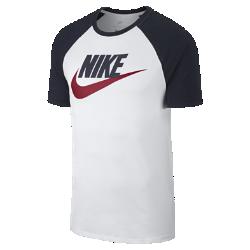 Мужская футболка Nike SportswearМужская футболка Nike Sportswear из мягкого и прочного хлопка с рукавами покроя реглан обеспечивает комфорт на весь день.<br>