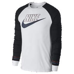 Мужская футболка с длинным рукавом Nike SportswearМужская футболка Nike Sportswear из мягкого хлопка с длинными рукавами покроя реглан обеспечивает прочность и комфорт на весь день.<br>