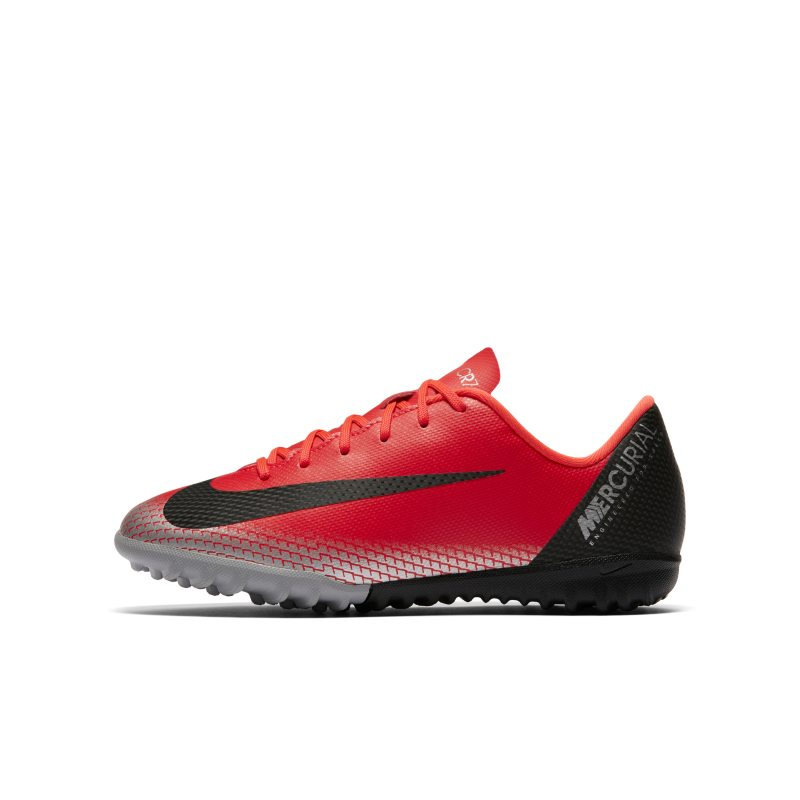 Nike Jr. MercurialX Vapor XII Academy CR7 Voetbalschoen voor kleuters/kids (turf <br/> 60.00 <br/> <a href='https://track.webgains.com/click.html?wgcampaignid=172061&amp;wgprogramid=6381&amp;product=1&amp;wglinkid=231777&amp;productname=Nike+Jr.+MercurialX+Vapor+XII+Academy+CR7+Voetbalschoen+voor+kleuters%2Fkids+%28turf%29+-+Rood&amp;wgtarget=https://www.nike.com/nl/t/jr-mercurialx-vapor-xii-academy-cr7-younger-older-football-shoe-PtBSZp/AJ3100-600' target='_blank'>Bekijk!</a>