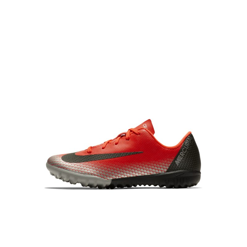 Nike Jr. MercurialX Vapor XII Academy CR7 Voetbalschoen voor kleuters (turf) - R <br/> 60.00 <br/> <a href='https://track.webgains.com/click.html?wgcampaignid=172061&amp;wgprogramid=6381&amp;product=1&amp;wglinkid=231777&amp;productname=Nike+Jr.+MercurialX+Vapor+XII+Academy+CR7+Voetbalschoen+voor+kleuters+%28turf%29+-+Rood&amp;wgtarget=https://www.nike.com/nl/t/jr-mercurialx-vapor-xii-academy-cr7-younger-football-shoe-mwhdkQ/AJ3104-600' target='_blank'>Bekijk!</a>