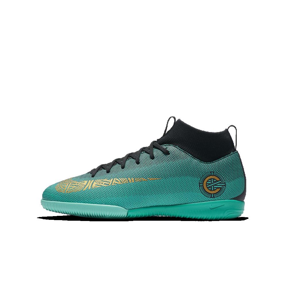 6ed8451ce Nike Jr. MercurialX Superfly VI Academy CR7 Little Big Kids  Indoor Court  Soccer Shoe Size 5Y (Green)