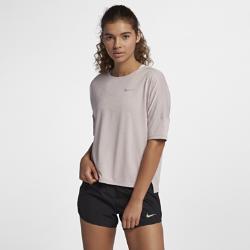 Женская беговая футболка с коротким рукавом Nike MedalistЖенская беговая футболка с коротким рукавом Nike Medalist из дышащей влагоотводящей ткани обеспечивает комфорт во время бега.<br>