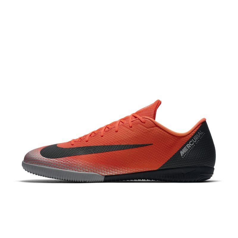 Nike MercurialX Vapor XII Academy CR7 Zaalvoetbalschoen - Rood <br/> 80.00 <br/> <a href='https://track.webgains.com/click.html?wgcampaignid=172061&amp;wgprogramid=6381&amp;product=1&amp;wglinkid=231777&amp;productname=Nike+MercurialX+Vapor+XII+Academy+CR7+Zaalvoetbalschoen+-+Rood&amp;wgtarget=https://www.nike.com/nl/t/mercurialx-vapor-xii-academy-cr7-indoor-court-football-shoe-0slj0D/AJ3731-600' target='_blank'>Bekijk!</a>