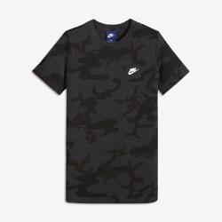 Футболка с принтом для мальчиков школьного возраста Nike SportswearФутболка с принтом для мальчиков школьного возраста Nike Sportswear из прочного 100% хлопка обеспечивает комфорт на каждый день.<br>