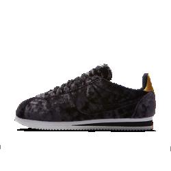 Женские кроссовки Nike Classic Cortez VelvetЖенские кроссовки Nike Classic Cortez Velvet — это оригинальная беговая модель Nike, созданная Биллом Бауэрманом и выпущенная в 1972 году. Бархатистый верх новой версии создает первоклассный образ.<br>