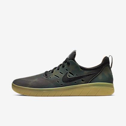 78b69524a2c Nike SB Gato Skate Shoe. nike sb gato true to size