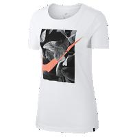 <ナイキ(NIKE)公式ストア>ナイキ スポーツウェア スウッシュ ウィメンズ フォト Tシャツ AO2764-100 ホワイト画像