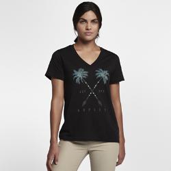 Женская футболка Hurley Fronds and Arrows Perfect VЖенская футболка Hurley Fronds and Arrows Perfect V с классическим V-образным вырезом украшена графикой в тропическом стиле.<br>