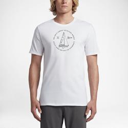 Мужская футболка Hurley JJF SailingМужская футболка Hurley JJF Sailing символизирует любовь Джона Джона Флоренса к прогулкам на воде. Это идеальная повседневная модель с мягким минималистичным принтом в технике трафаретной печати.<br>