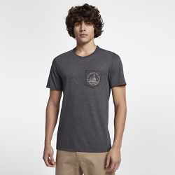 Мужская футболка Hurley Out to Sea PocketМягкая и удобная мужская футболка Hurley Out to Sea Pocket отлично подходит для морской прогулки или отдыха на пляже.<br>