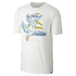 Мужская футболка Hurley Pelican PodМужская футболка Hurley Pelican Pod украшена мягким принтом с изображением всем известных морских птиц.<br>