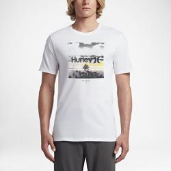 Мужская футболка Hurley SplitterМужская футболка Hurley Splitter с мягким трафаретным принтом обеспечивает классический уровень комфорта, когда ты отдыхаешь на пляже или ждешь новой волны.<br>