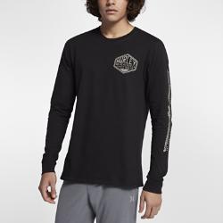 Мужская футболка с длинным рукавом Hurley FrameworkМужская футболка Hurley Framework с длинными рукавами, украшенными принтом в морском стиле, — комфортная модель для прохладного дня на пляже.<br>