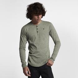 Мужская футболка с длинным рукавом Hurley Dri-FIT San Clemente HenleyМужская футболка с длинным рукавом Hurley Dri-FIT San Clemente Henley выполнена из мягкой влагоотводящей ткани. Ее можно носить самостоятельно или надевать под футболку для комфорта в любой ситуации.<br>
