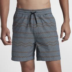 Мужские шорты с принтом Hurley Pismo Volley 43 смМужские шорты с принтом Hurley Pismo Volley 43 см, название которых отсылает к любимому серферами пляжу центральной Калифорнии, обеспечивают комфорт на весь день в теплую погоду.<br>