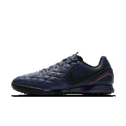 Футбольные бутсы для игры на искусственном газоне Nike TiempoX Ligera IV 10R TFФутбольные бутсы для игры на искусственном газоне Nike TiempoX Ligera IV 10R с классическим кожаным верхом дополнены элементами в стиле 10R, такими как простежка в ретростиле на носке, которые напоминают о достижениях Роналдиньо.<br>