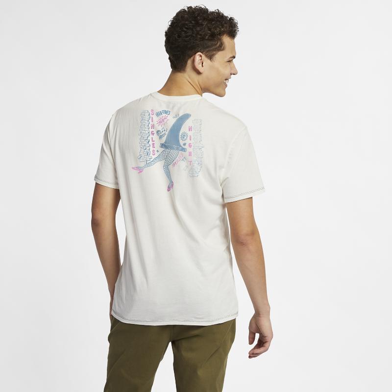 <ナイキ(NIKE)公式ストア>ハーレー シングルス ナイト メンズ Tシャツ AR5491-133 クリーム