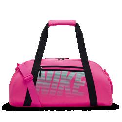 Сумка-дафл для тренинга Nike Gym ClubСумка-дафл для тренинга Nike Gym Club из прочной влагонепроницаемой ткани с просторным основным отделением на двойной молнии надежно защищает содержимое.<br>