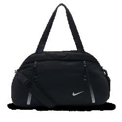 Сумка для тренинга Nike Auralux Solid ClubПрочная сумка для тренинга Nike Reverie Club с вместительным основным отделением и внутренним карманом позволяет хранить обувь отдельно от экипировки.  Надежное хранение  Во внешних карманах на молнии удобно хранить мелочи, а во внутренних карманах с мягкой подкладкой — более ценные вещи.  Универсальность и удобство переноски  Двойные ручки и регулируемая плечевая лямка для удобства.  Раздельное хранение  В основном отделении есть внутренний карман для хранения обуви и раздельного хранения влажной экипировки.<br>