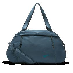 Сумка для тренинга Nike Auralux Solid ClubПрочная сумка для тренинга Nike Reverie Club с вместительным основным отделением и внутренним карманом позволяет хранить обувь отдельно от экипировки.<br>