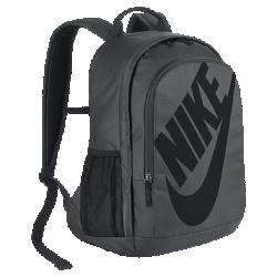 Рюкзак Nike Sportswear Hayward Futura 2.0Рюкзак Nike Sportswear Hayward Futura 2.0 с вместительным основным отделением и мягкой задней панелью из сетки удобно везде брать с собой.<br>