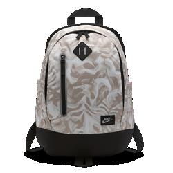 Детский рюкзак Nike Cheyenne PrintДетский рюкзак Nike Cheyenne Print имеет основное отделение с двойной молнией и множество карманов для переноски и хранения всей твоей экипировки.<br>