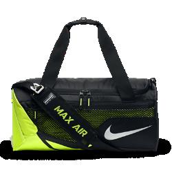 Сумка-дафл Nike Vapor Max Air 2.0 (маленький размер)Сумка-дафл Nike Vapor Max Air 2.0 с влагонепроницаемым покрытием обеспечивает удобное хранение всего необходимого для тренировок в зале.<br>