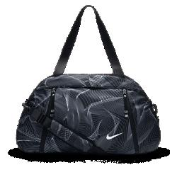 Спортивная сумка Nike Auralux Print ClubСпортивная сумка Nike Auralux Print Club с прочным внешним слоем из нейлона и вместительным основным отделением позволяет носить с собой все, что может понадобиться тебе в течение дня как на работе, так и в тренажерном зале.<br>