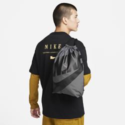 Спортивная сумка Nike Sportswear HeritageСпортивная сумка Nike Sportswear Heritage с минималистичным дизайном позволяет с удобством носить всю необходимую экипировку.<br>