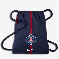 Футбольный мешок на завязках Paris Saint-Germain StadiumФутбольный мешок на завязках Paris Saint-Germain Stadium с легкой минималистичной конструкцией с фирменными деталями позволяет иметь под рукой всю нужную экипировку.<br>