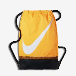Футбольный мешок на завязках NikeФутбольный мешок на завязках Nike с легкой минималистичной конструкцией и фирменными элементами позволяет иметь под рукой всю нужную экипировку.<br>