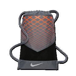 Мешок на завязках для тренинга Nike VaporМешок на завязках для тренинга Nike Vapor из прочного влагонепроницаемого материала защищает экипировку от влаги при переноске.<br>