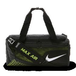 Сумка-дафл для тренинга Nike Vapor Max Air (маленький размер)Сумка-дафл для тренинга Nike Vapor Max Air вместит все необходимое для тренировки в зале, а влагонепроницаемое покрытие защитит экипировку от влаги.<br>