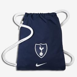 Футбольный мешок на завязках Tottenham Hotspur FC StadiumФутбольный мешок на завязках Tottenham Hotspur FC Stadium с легкой минималистичной конструкцией и фирменными деталями позволяет иметь под рукой всю нужную экипировку.<br>