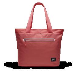Детская сумка-тоут Nike TechДетская сумка-тоут Nike Tech с основным отделением на молнии и разделителем позволяет брать нужную экипировку в школу, на танцы, в студию и на любые другие занятия.<br>