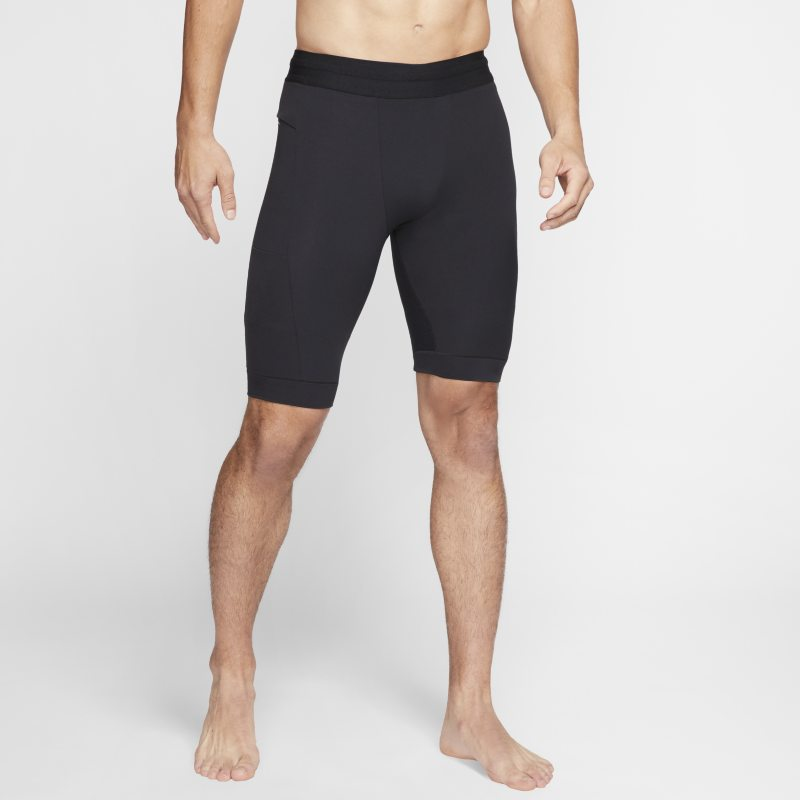 Nike Yoga Dri-FIT Herenshorts van Infalon - Zwart