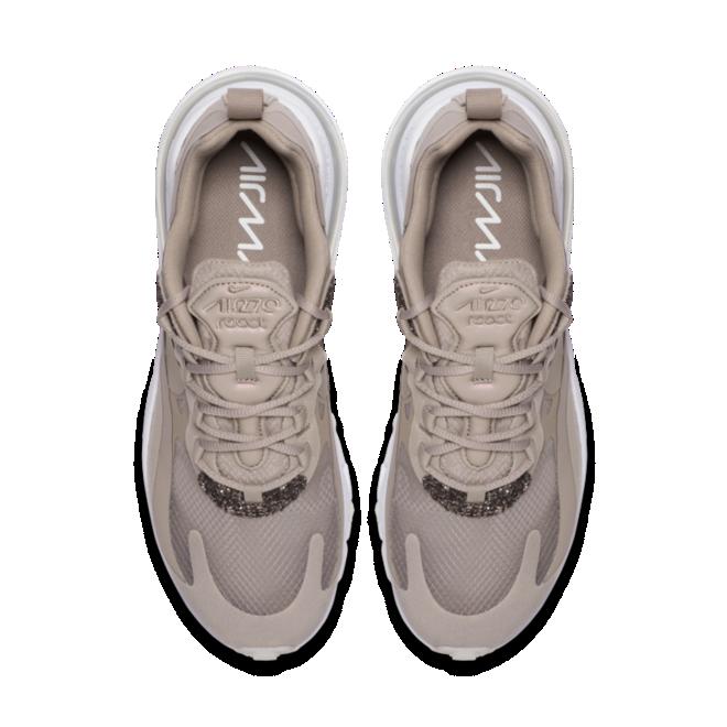 Nike Air Max 270 React elegante beige colorway