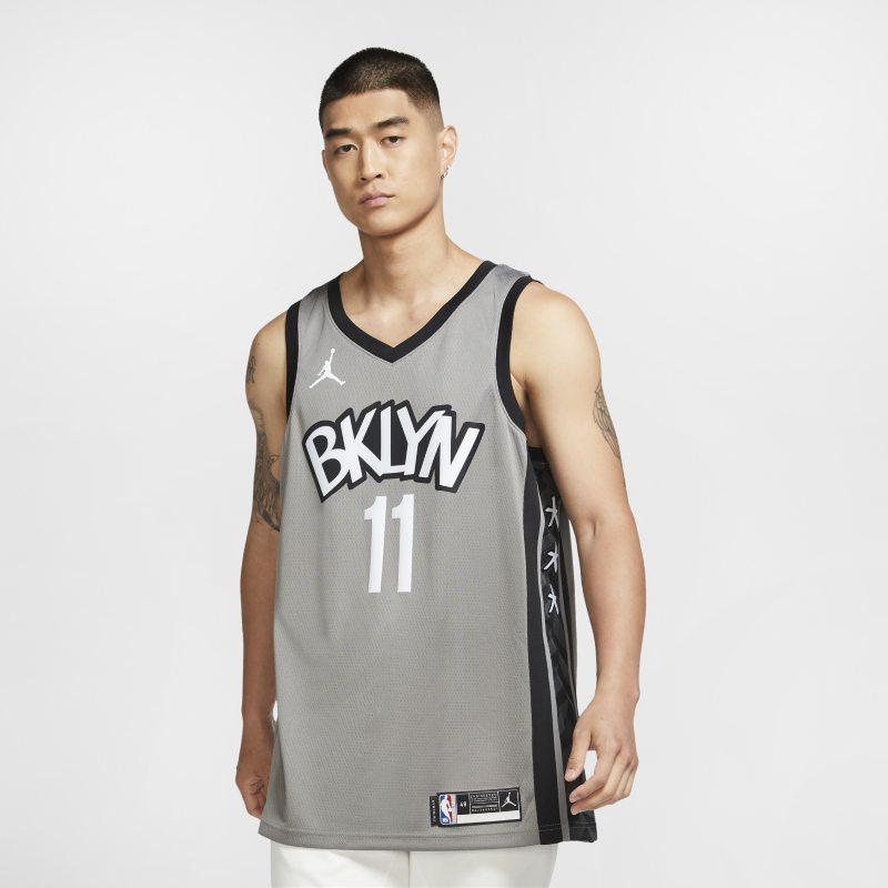 Kyrie Irving Nets Statement Edition 2020 Swingman Jordan NBA-jersey - Grijs