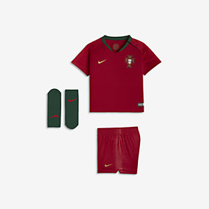 a3bfbeac5 2018 Portugal Stadium Home Baby   Toddler Football Kit. Nike.com UK