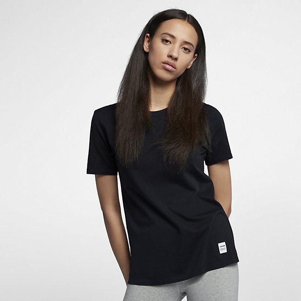 Converse Essentials Women's T-Shirt. Nike.com