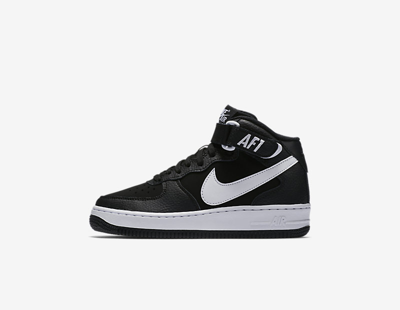 Image of Nike Air Force 1 Mid 06