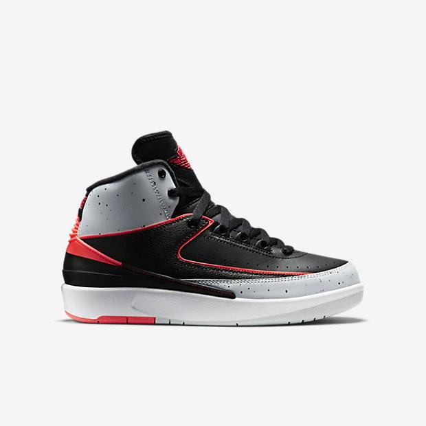 Low Resolution Air Jordan 2 Retro 复刻男孩运动童鞋