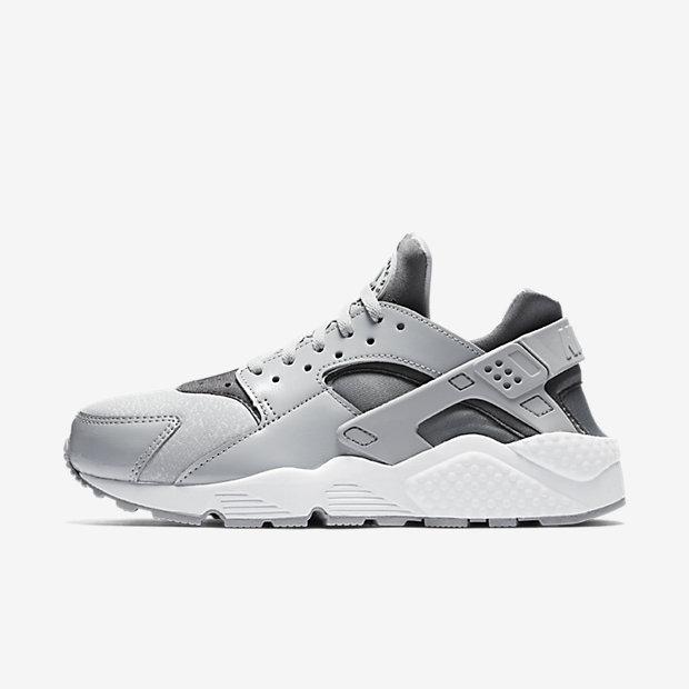 05c8b27de1c3 Genuine Nike Air Huarache Black Volt White