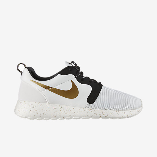 Low Resolution Nike Roshe One Hyperfuse 男子运动鞋