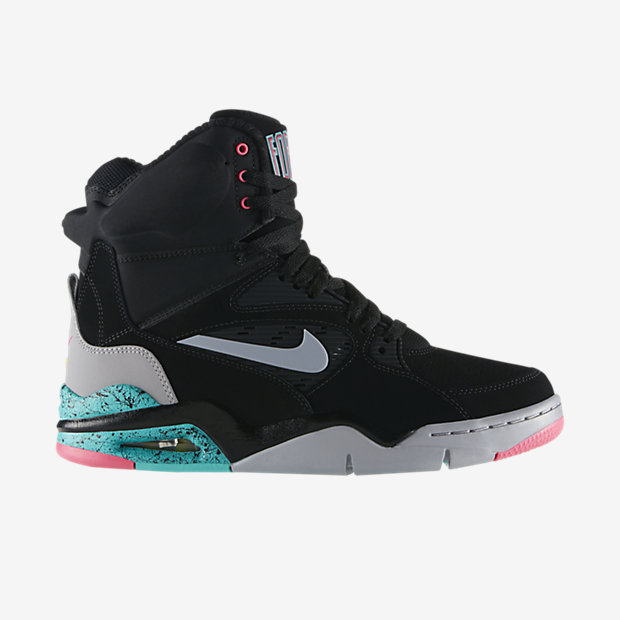 Low Resolution Nike Air Command Force 男子运动鞋